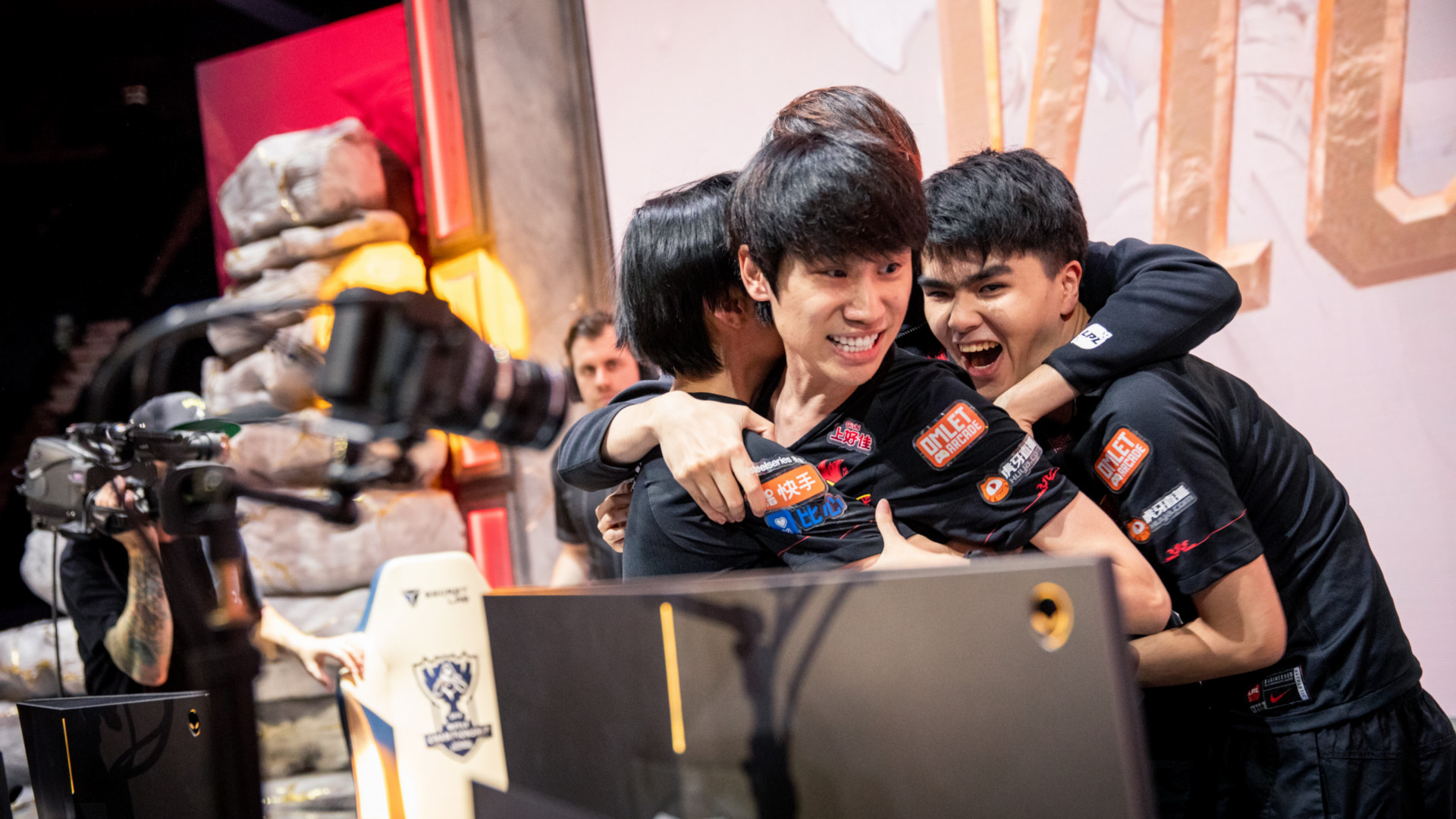 worlds-2019-then-there-were-two-fpx-win